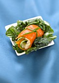 Gorgonzola and spinach smoked salmon roll