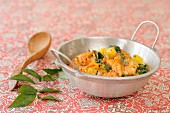 Indian-style shrmps with spinach and pineapple