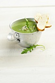 Spinach and rocket soup with blue cheese