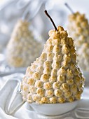 Pear with meringue coating