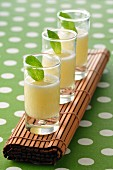 Pineapple soup with mint