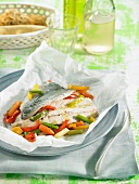 Mackerel with red peppers and carrots
