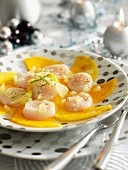 Mango carpaccio with scallops and lime