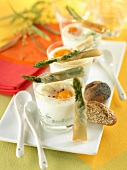 Coodled eggs with crisp asparagus