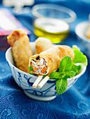 Nems (frittierte Frühlingsrollen, Vietnam) mit Hähnchen