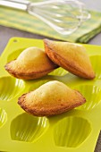 Madeleines and a silicone mould