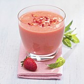 Strawberry, banana, pear and mint smoothie