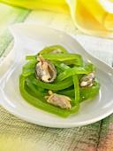 Green melon jelly spaghettis with shellfish