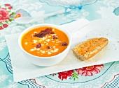 Tomaten-Salmorejo mit Paprika und Ei