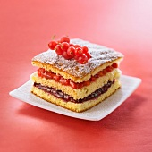 Sponge cake with summer fruit