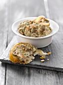 Mushroom and truffle oil spread