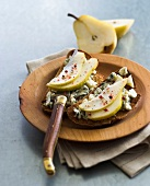 Roquefort and pear Bruschettas