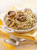 Wholemeal spaghetti à la vongole