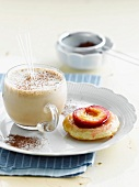 Smoothie with mini plum tartlet