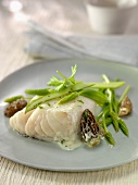 Piece of cod with morels and wild asparagus