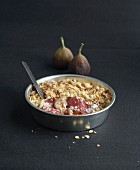 Ham and fig savoury crumble