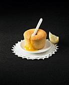 Flaumiges Küchlein mit Zitronencreme