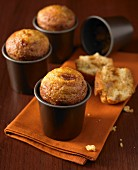 Apple-toffee muffins