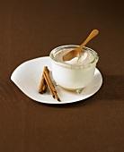Cinnamon yoghurt