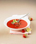 Strawberry soup with lime and honey