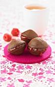 Chocolate-raspberry Whoopies