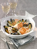 Salmon blanquette with vanill-flavored mussels