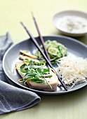 Chicken with tarragon and grated vegetables