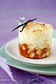 Vanilla-flavored rice pudding with caramel sauce