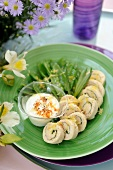 Steamed rolled chicken breasts with tarragon