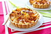 Melon and gingerbread tartlet