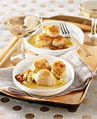 Scallops with saffron