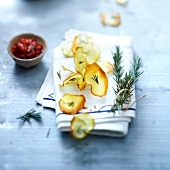 Rosemary-flavored apple crisps