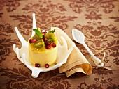 Bailey's-Eisparfait mit Kiwi und Granatapfel