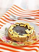 Chocolate-banana tartlet