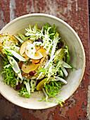 Curly lettuce,raisin and nectarine salad