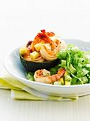 Avocado, scampi and mango salad