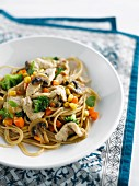 Sauteed noodles with vegetables and turkey
