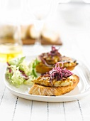 Grilled chicken on toast with bearnaise sauce