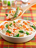 Pan-fried rice with chicken and vegetables