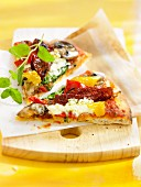 Bell pepper and sun-dried tomato pizza