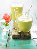 Pineapple-mango smoothie
