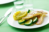 Grilled red mullet fillets, zucchinis and mashed potatoes