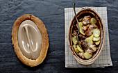 Baeckeoffe (Eintopf mit Fleisch und Gemüse, Elsass)