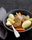 Pot-au-feu de confit de canard (Eintopf mit Enten-Confit und Gemüse)