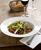 Sauteed noodles and leeks