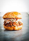 Barbecue-Burger mit Schweinefleisch