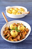 Polenta balls with chanterelles