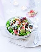 Lettuce, fig, roquefort, grape and walnut salad