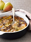 Pear-chocolate batter pudding