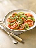 Tomato-kiwi salad with mustard seeds